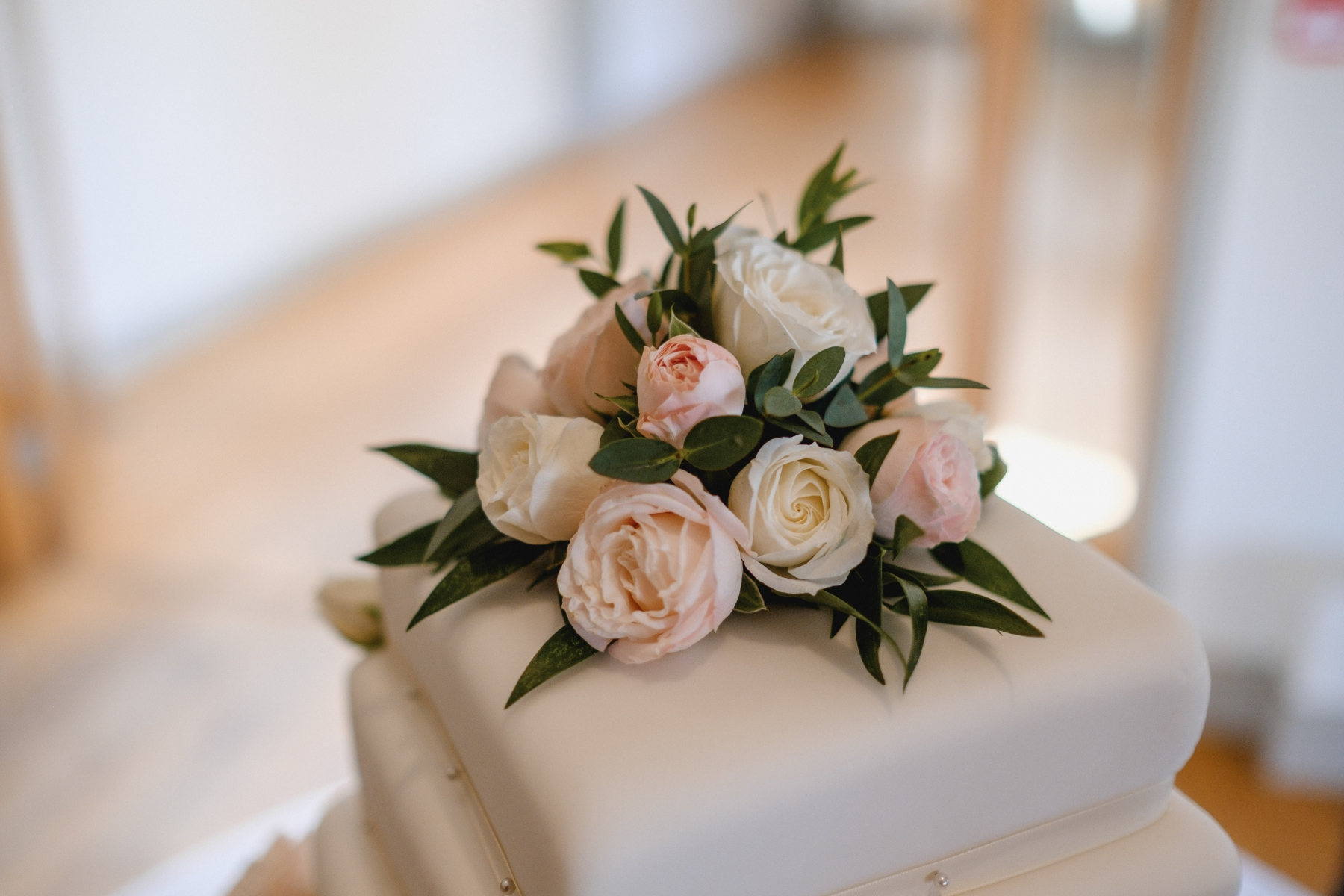 Martyn and Luke 18th September 2018 - Wedding Cake Flowers